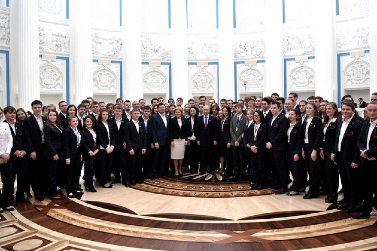 Президент России Владимир Путин поздравил национальную сборную WorldSkills Russia