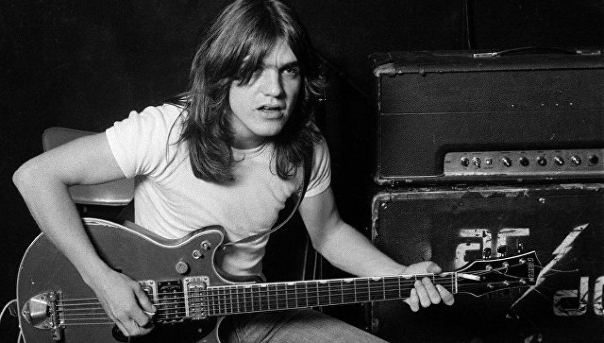Умер один из основателей группы AC/DC Малькольм Янг