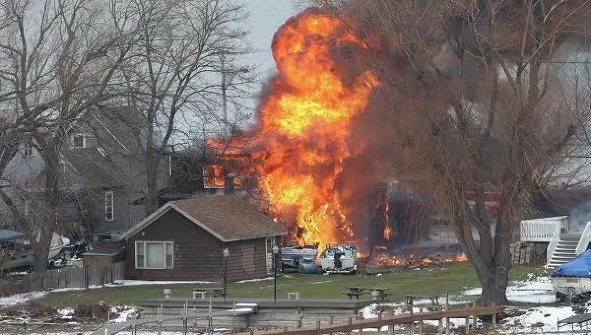 Американец спалил шесть домов из-за клопа