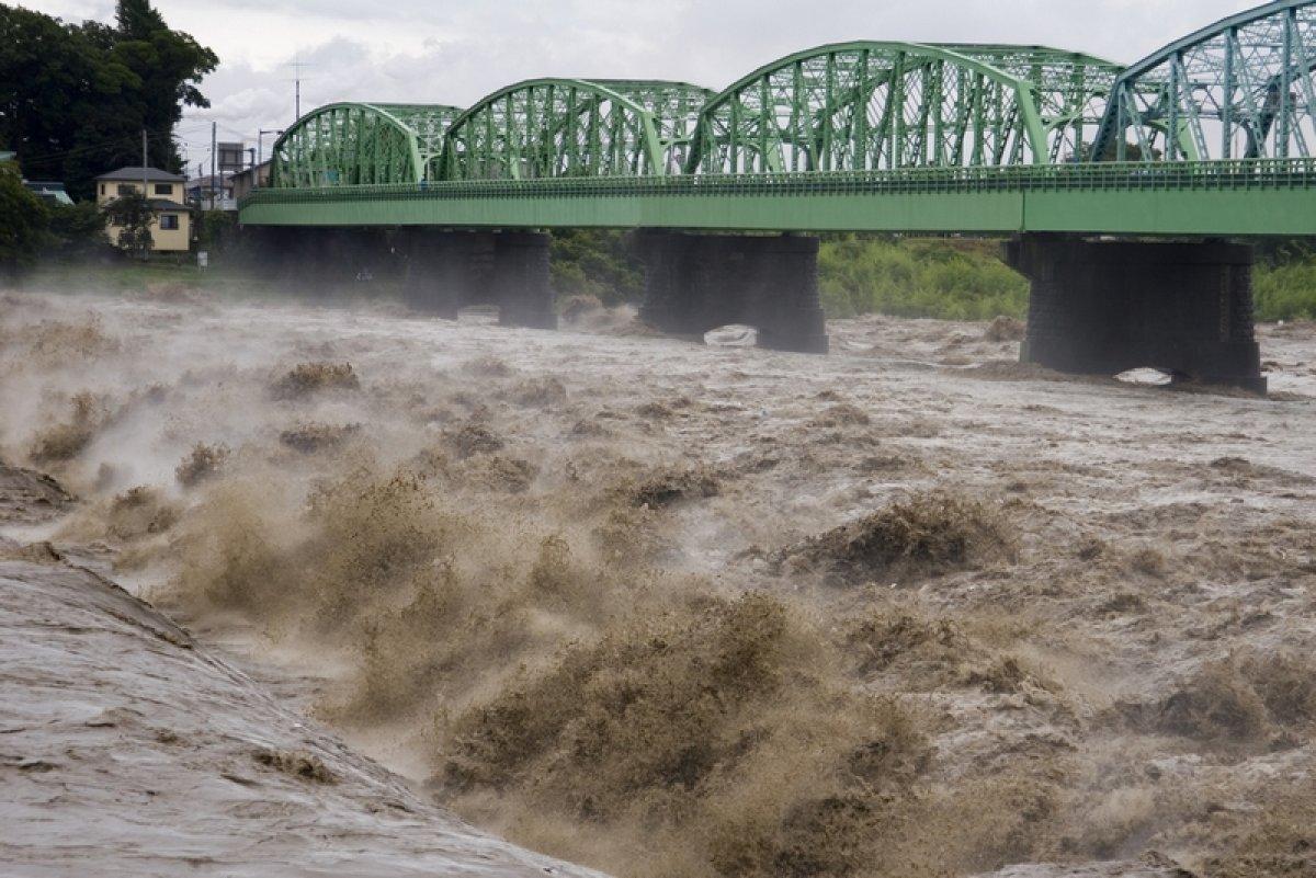 Более 500 тысяч жителей Японии получили предупреждение об эвакуации из-за наводнения