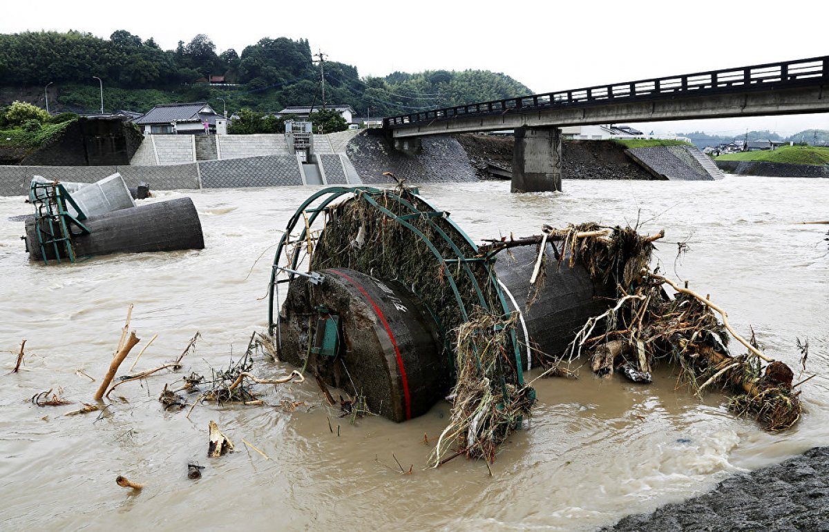 18 человек погибли в результате ливней в Японии
