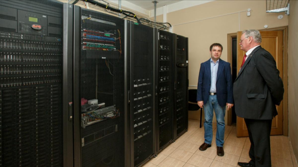 Новый суперкомпьютер заработал в Хабаровске