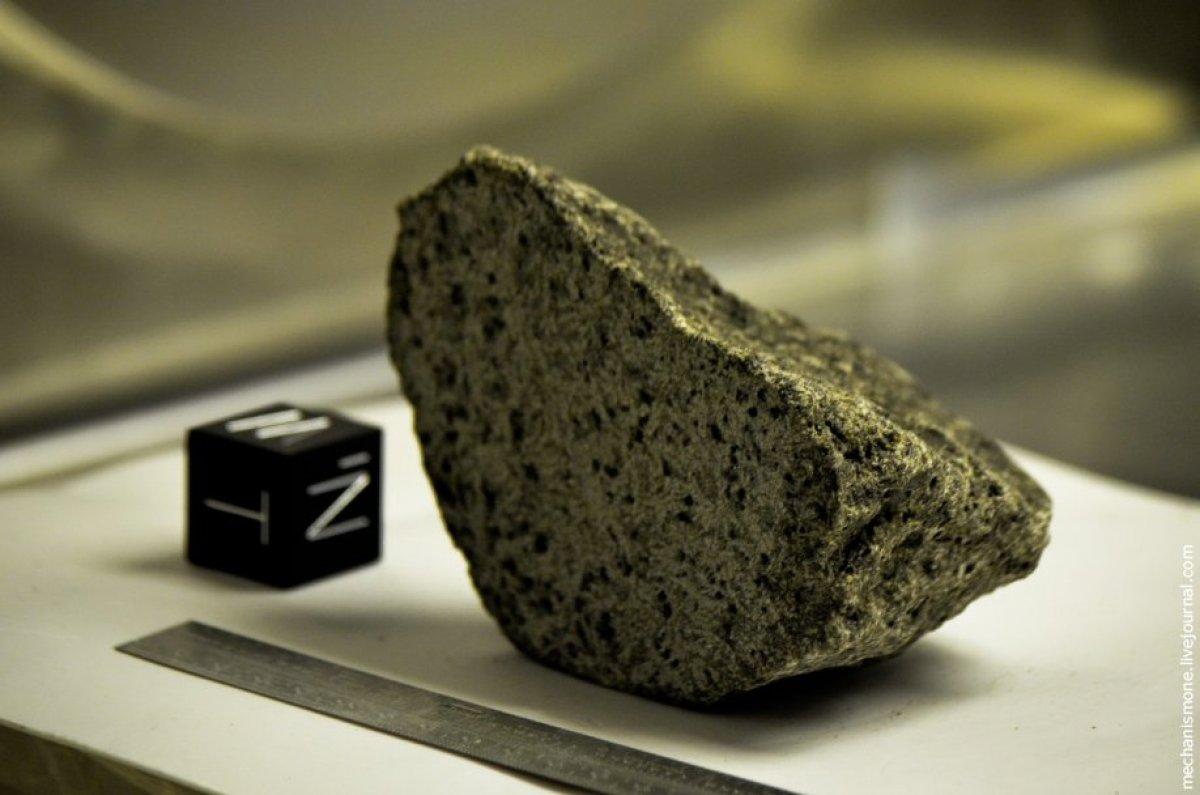 На сарай в Нидерландах упал древнейший метеорит