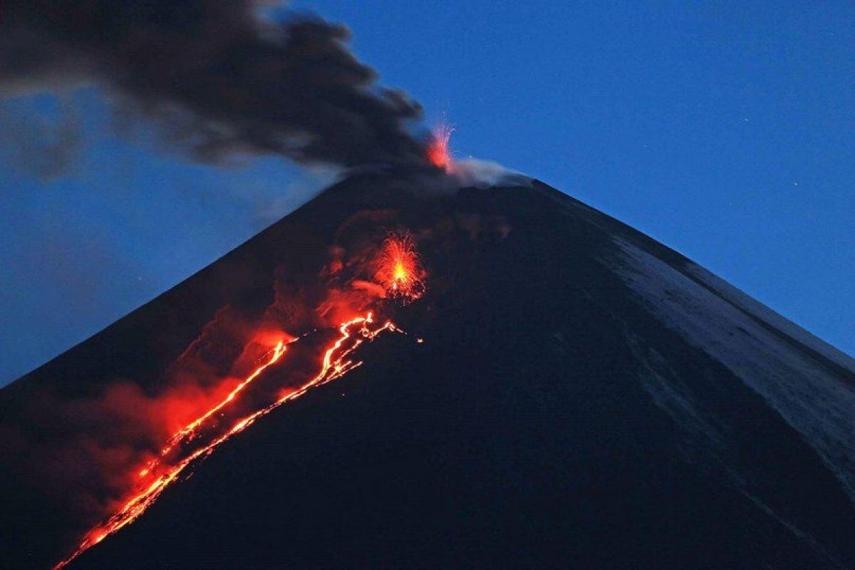 Камчатку накрыл шлейф вулканических осадков