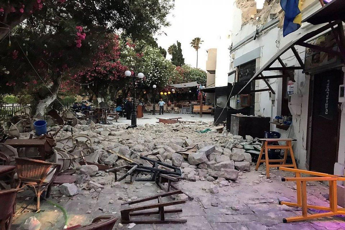 Туристы в Греции спят на улице