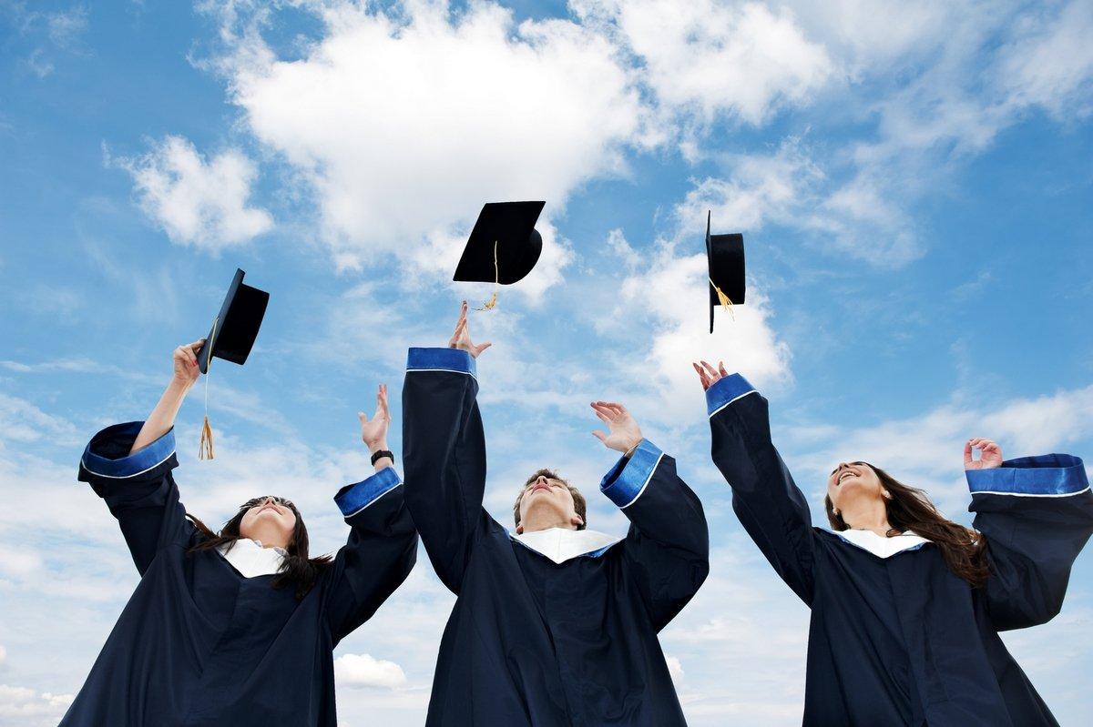 Минобрнауки: 75% выпускников 2015 года трудоустроены