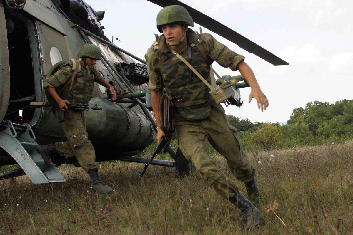 Комитет Совета Федерации поддержал включение срока службы в армии в стаж
