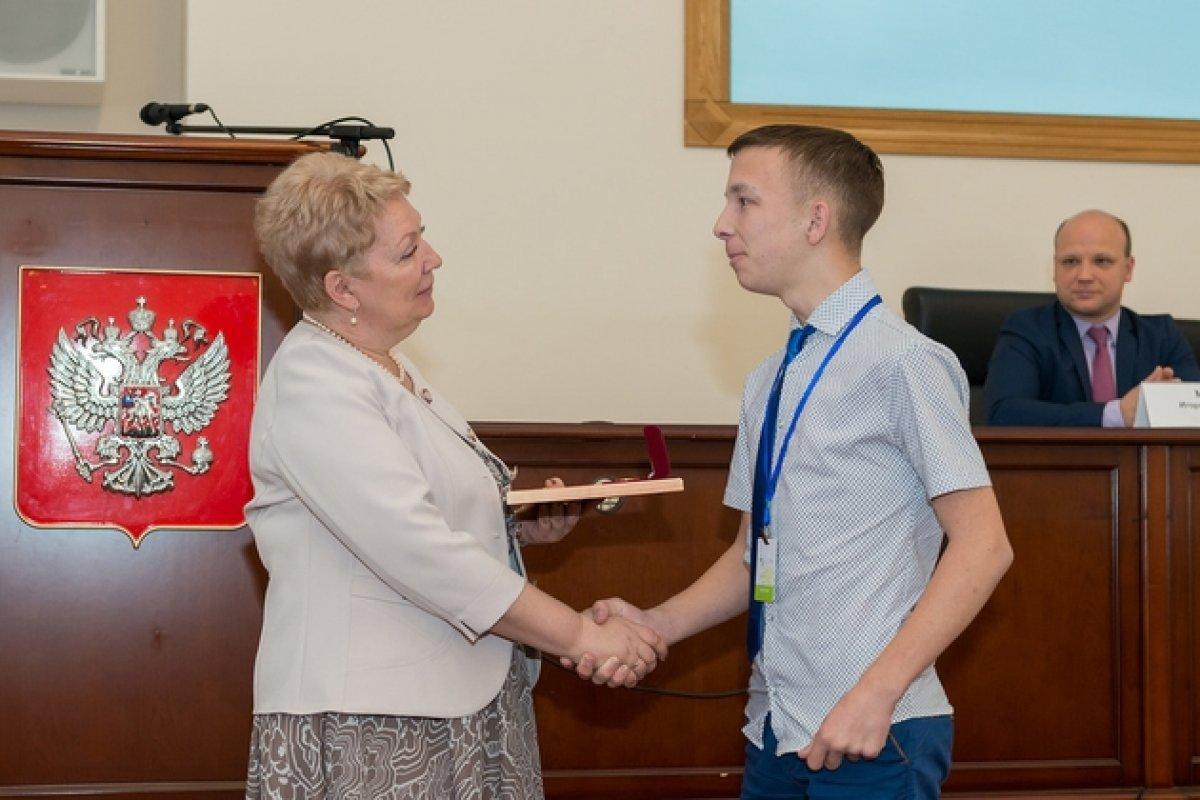 Глава Минобрнауки вручила дипломы победителям конкурса