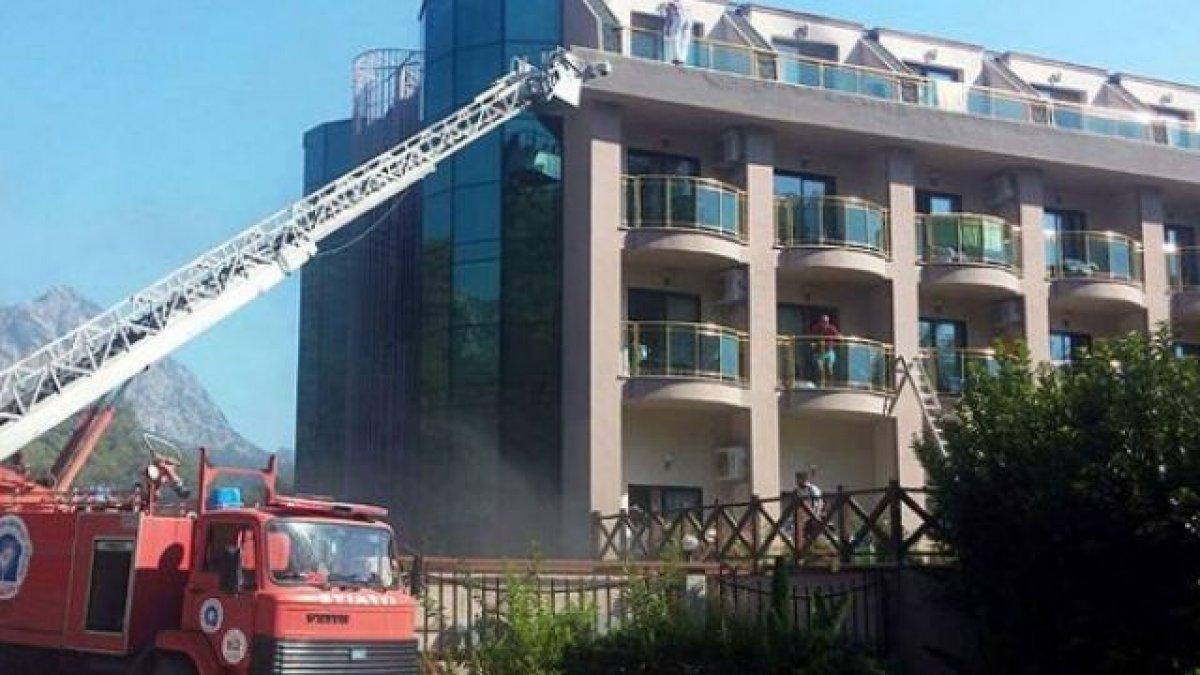 При пожаре в отеле Турции пострадали четыре россиянина