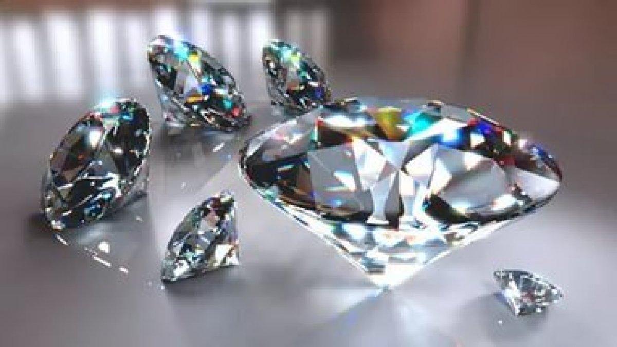 Грабитель в Гонконге проглотил бриллианты на 6 млн долларов