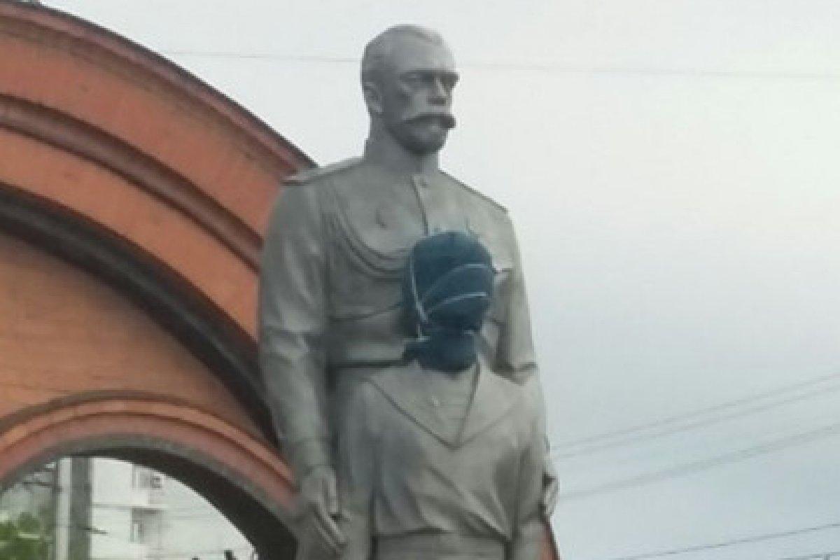В Новосибирске «зарубили» памятник Николаю II и цесаревичу Алексею
