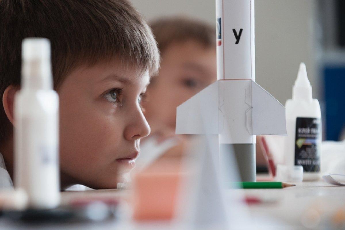 Российским школьниками вернули астрономию