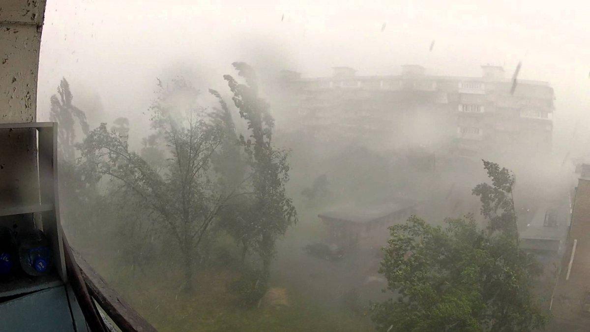 Количество пострадавших от шторма в Москве увеличилось до 9 человек, один человек погиб