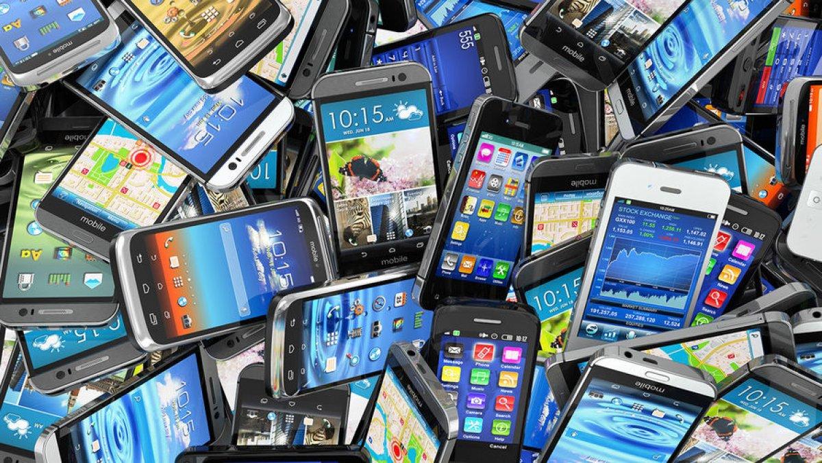 К 2030 году на всех людей не хватит смартфонов