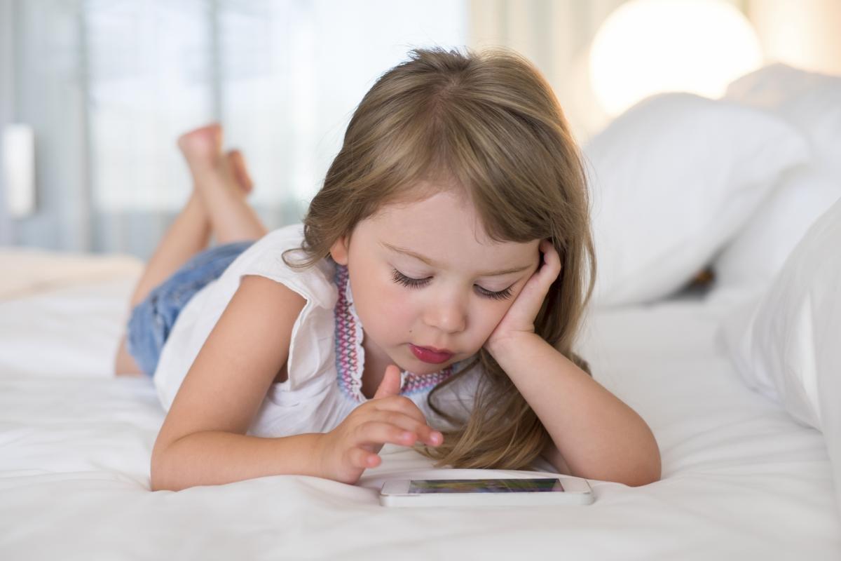Apple начнет блокировать телефоны детей