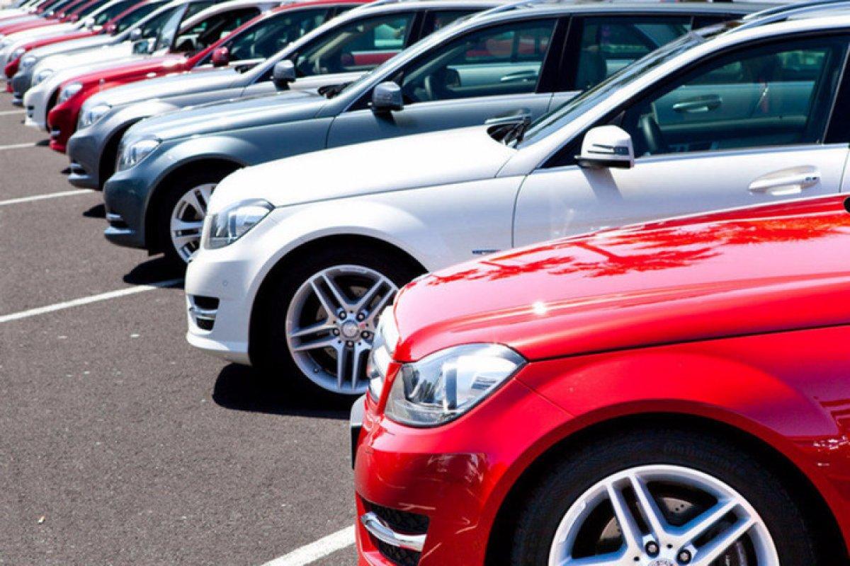 «Автостат» сообщило сколько россияне потратили на новые автомобили в 2017 году