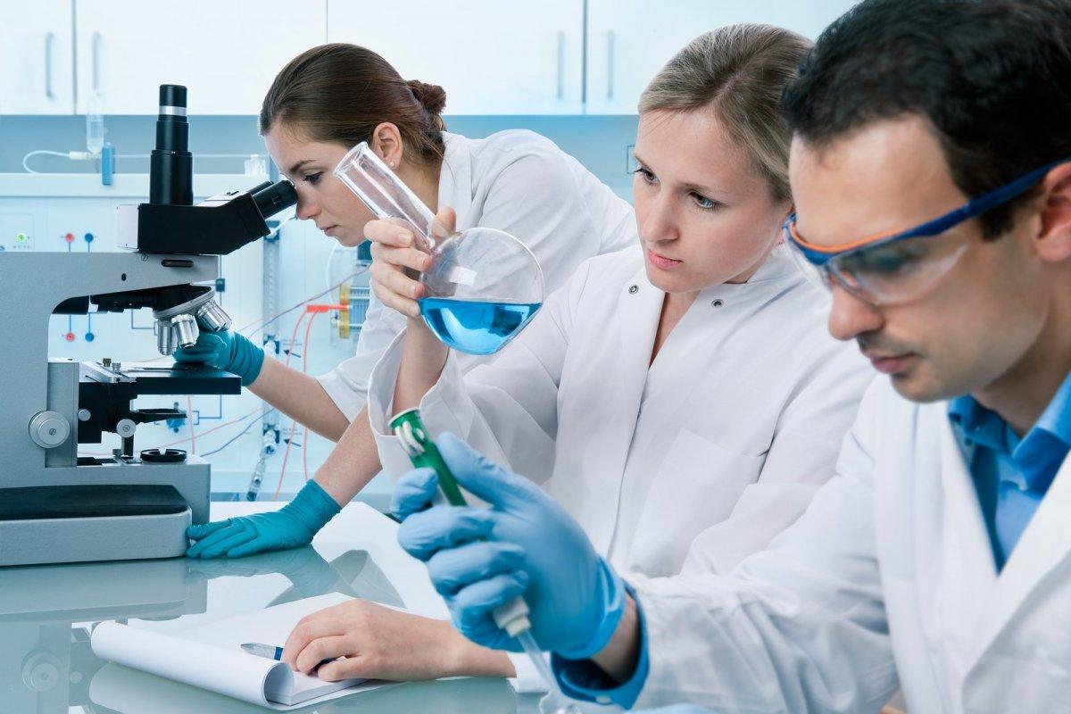 Почти 40% граждан признали российскую науку отстающей