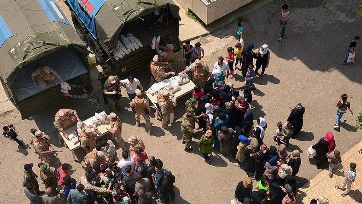 Около 700 комплектов одежды доставили сирийским школьникам