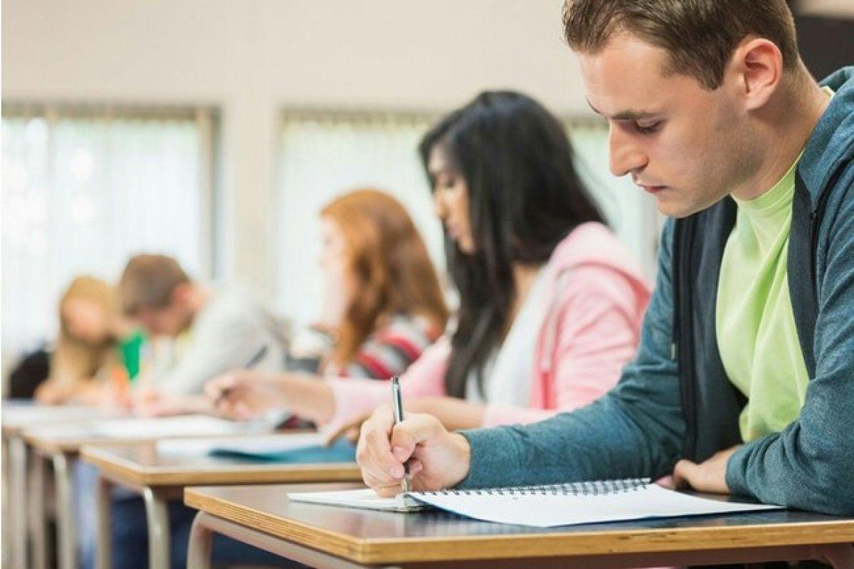 Школьники начали сдавать предпрофильные экзамены