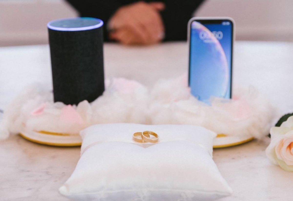 Siri и Alexa сыграли настоящую свадьбу