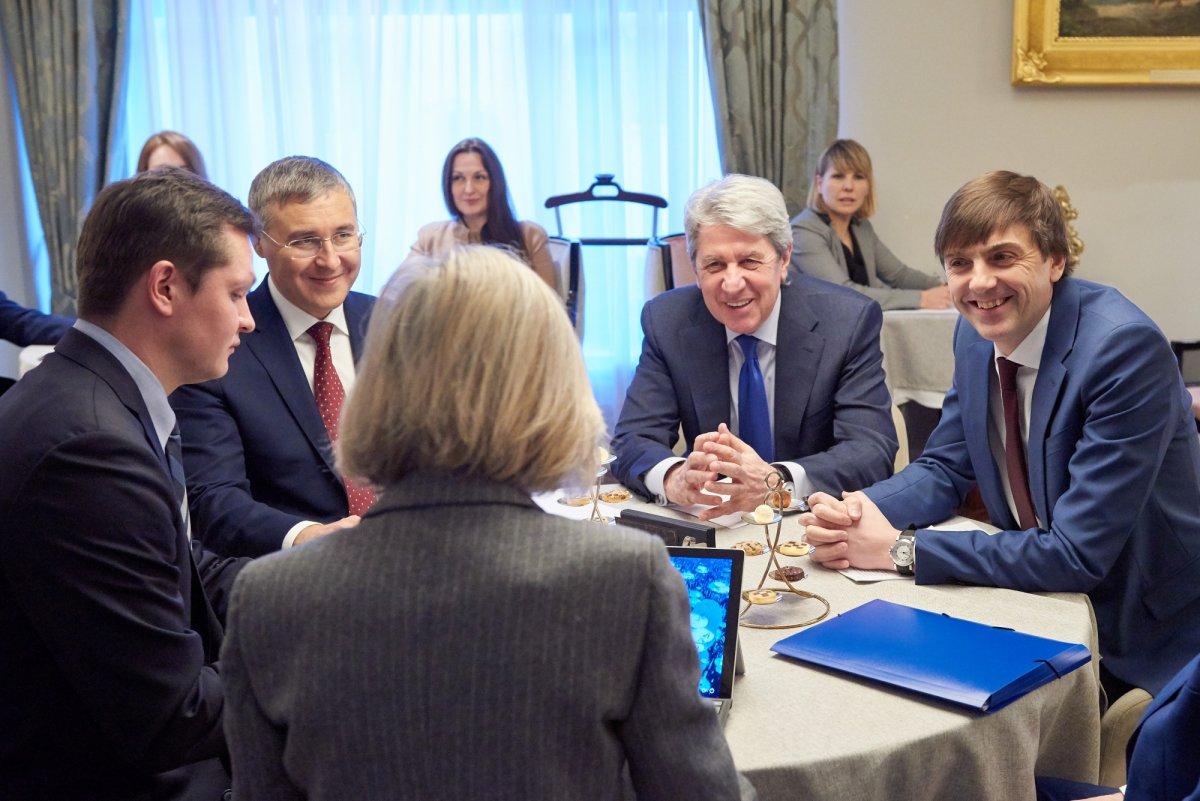 Министерство просвещения РФ и ЮНЕСКО обсудили вопросы образования