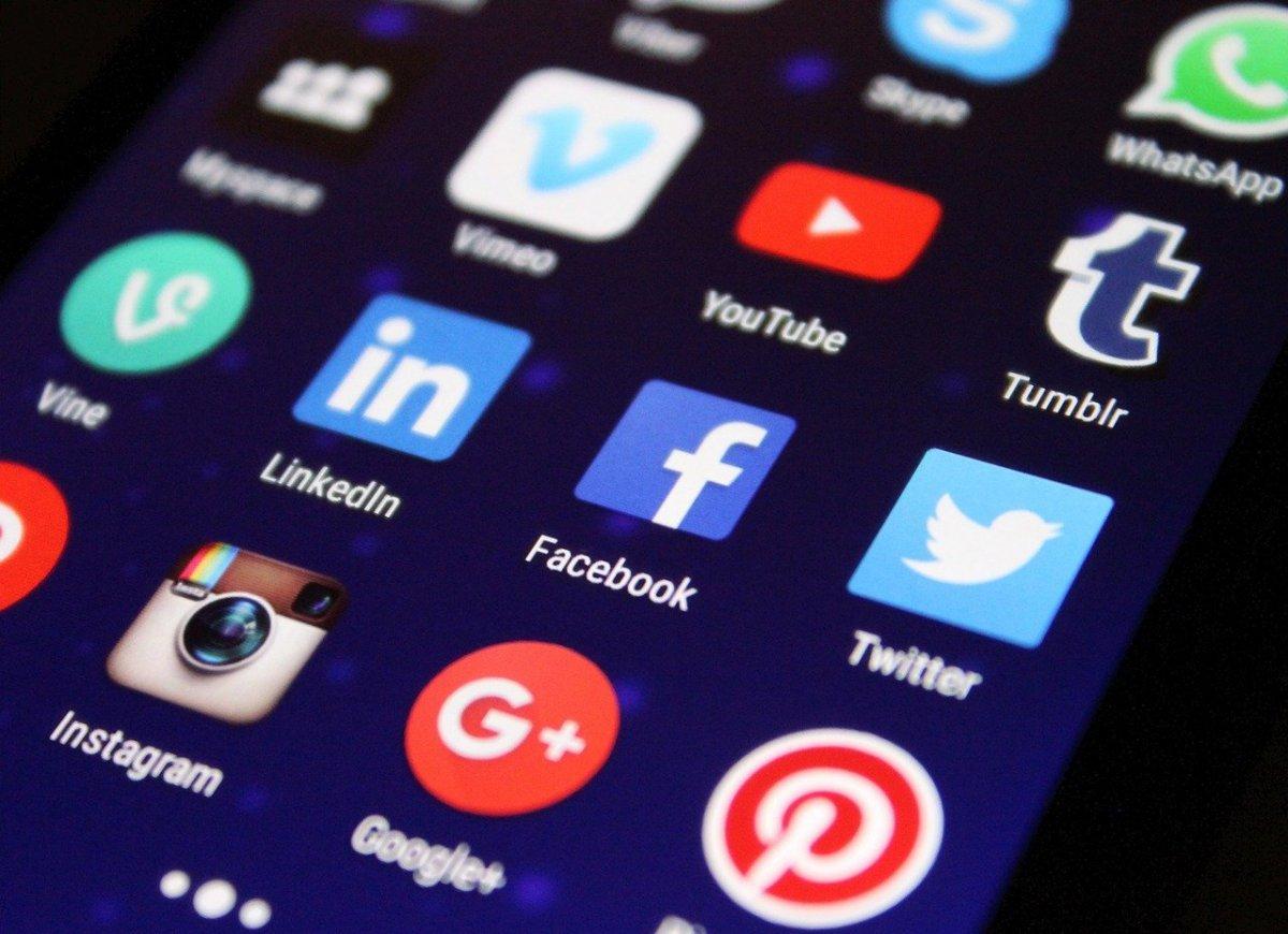 Предложение дня: ввести обязательную возрастную идентификацию в соцсетях