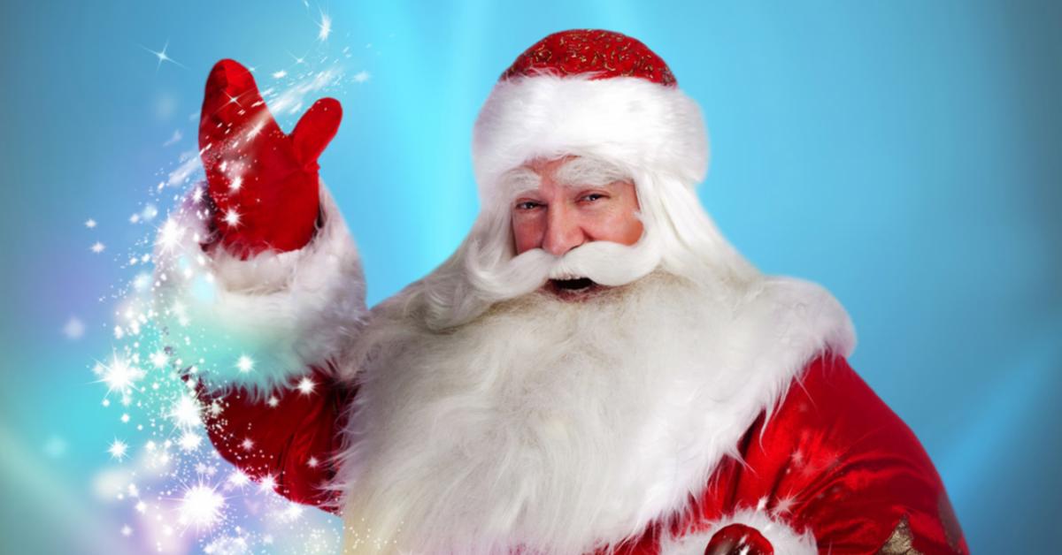 Деды Морозы поздравили детей в московских детских больницах