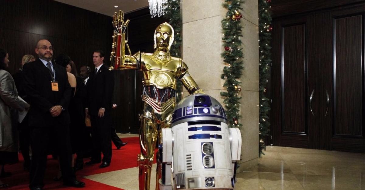 Робота R2-D2 из «Звездных войн» продали почти за три миллиона долларов