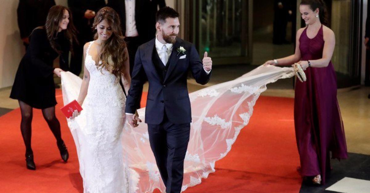 Женой футболиста Лионеля Месси стала его подруга детства