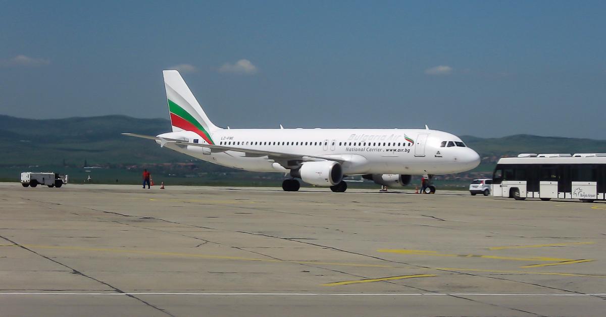 Около 250 российских туристов застряли в аэропорту Бургаса