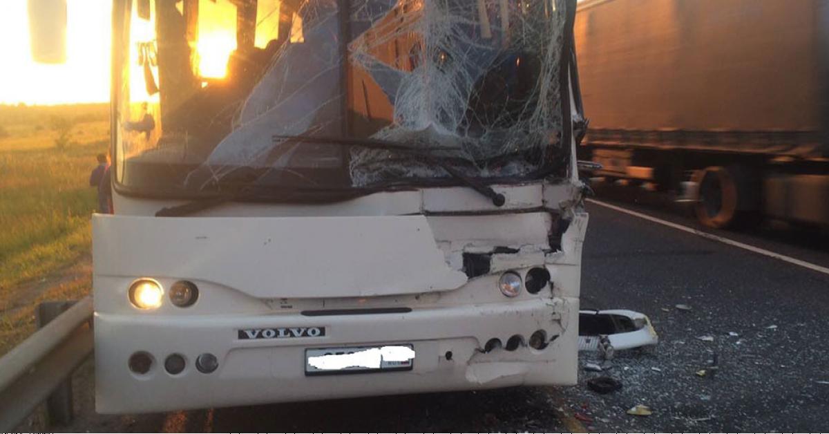 На трасе под Тольятти автобус столкнулся с фурой, есть пострадавшие