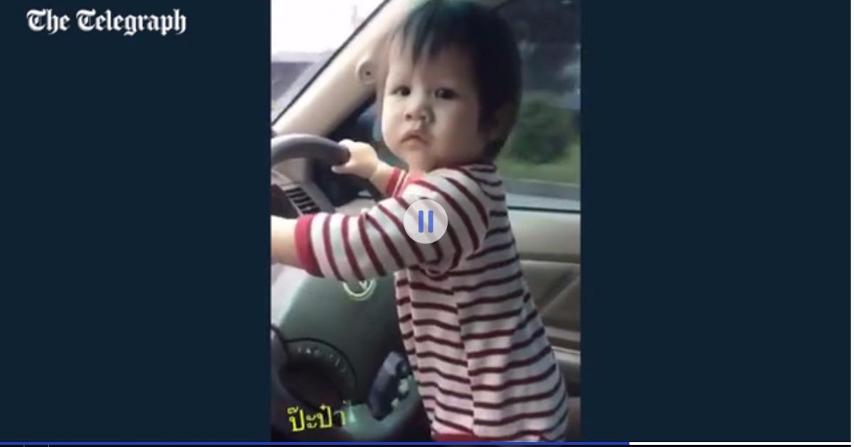 Житель Таиланда усадил 10-месячную дочь за руль едущего автомобиля