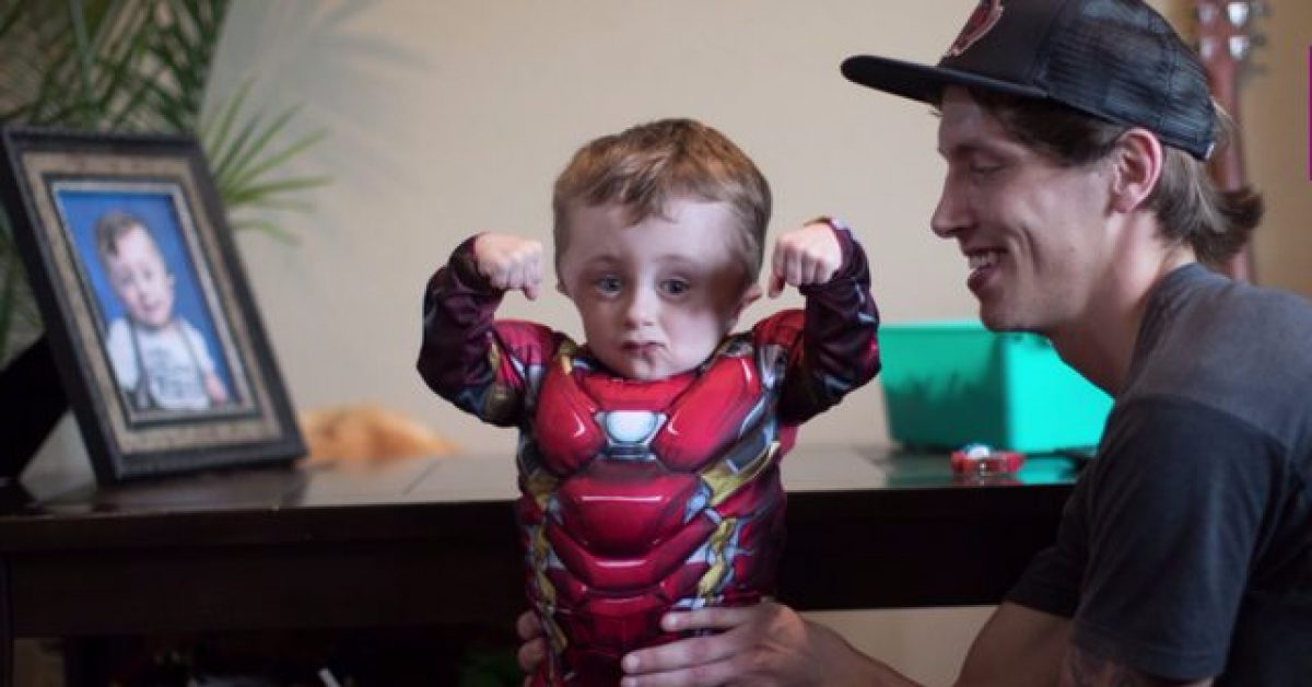 Малыш супергерой, чья жизнь преодоление