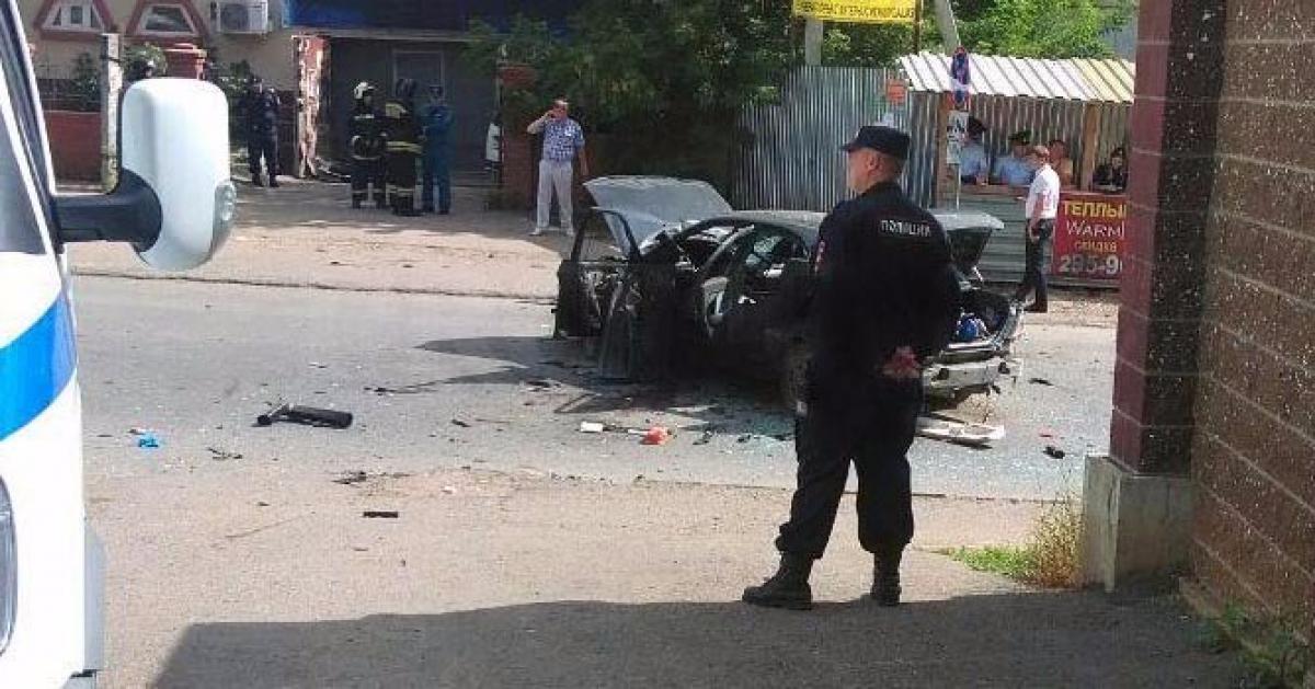 В Уфе в припаркованной машине взорвалась бомба