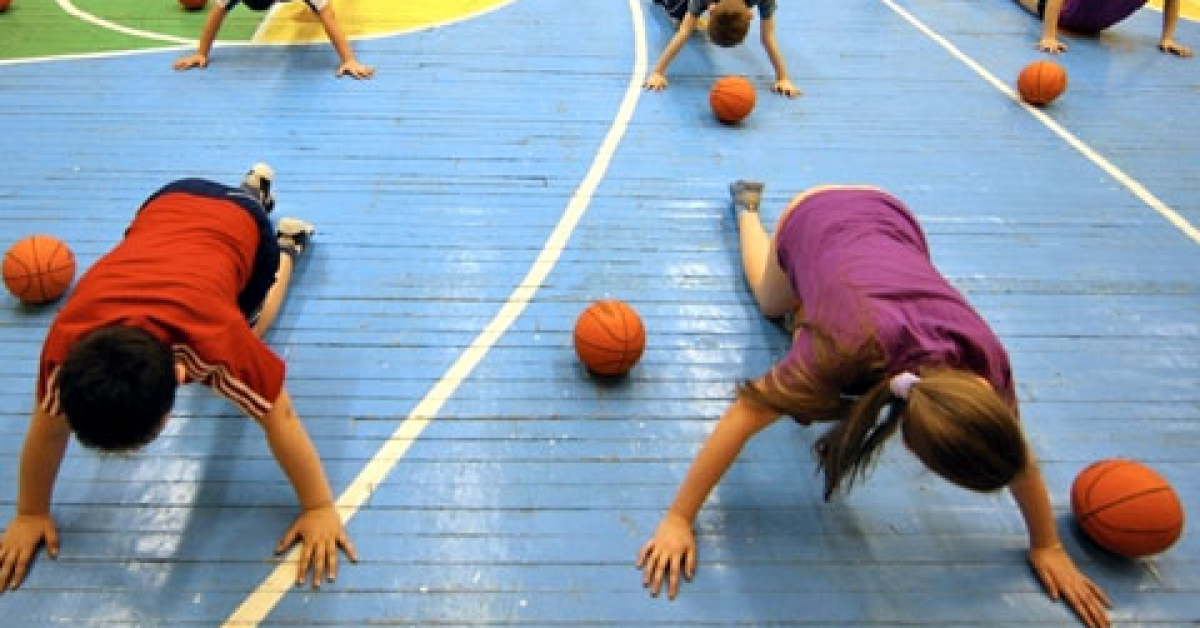 В 2016 учебном году более 200 детей погибло на уроках физкультуры