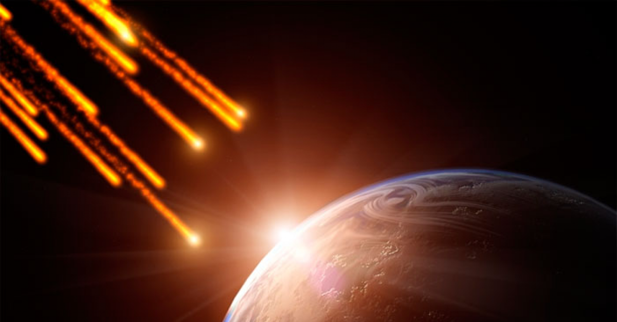 Итальянский космонавт с МКС снял на камеру падение метеора