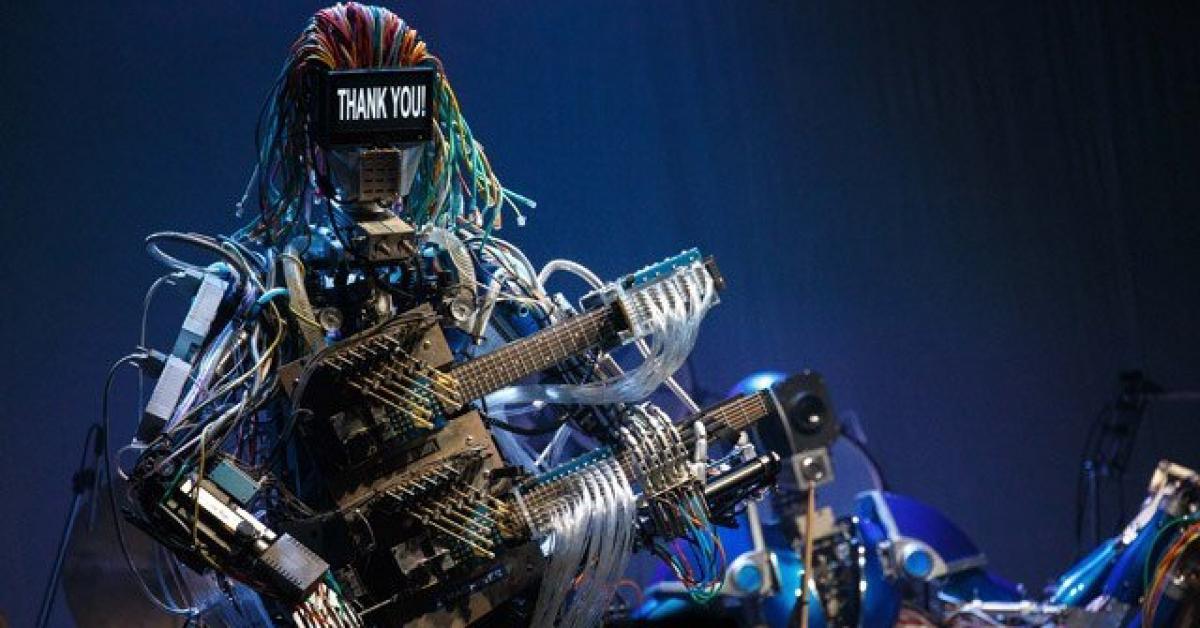 Японец решил создать роботов-музыкантов