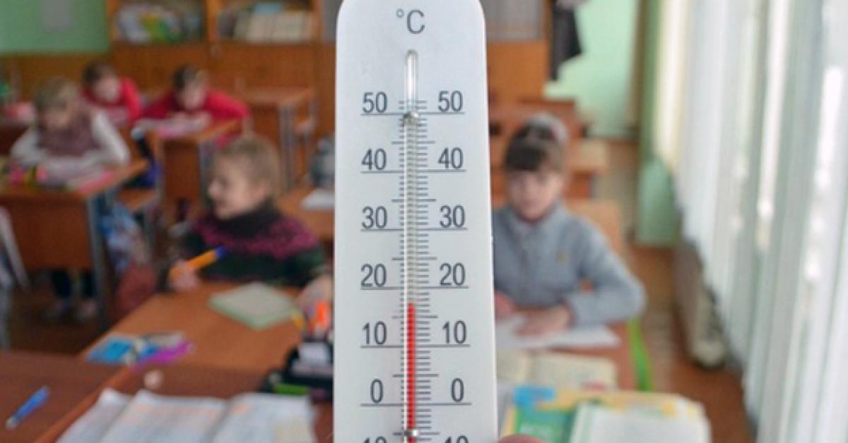 Зима в Якутии: дети болеют, на директоров школ заводят дела