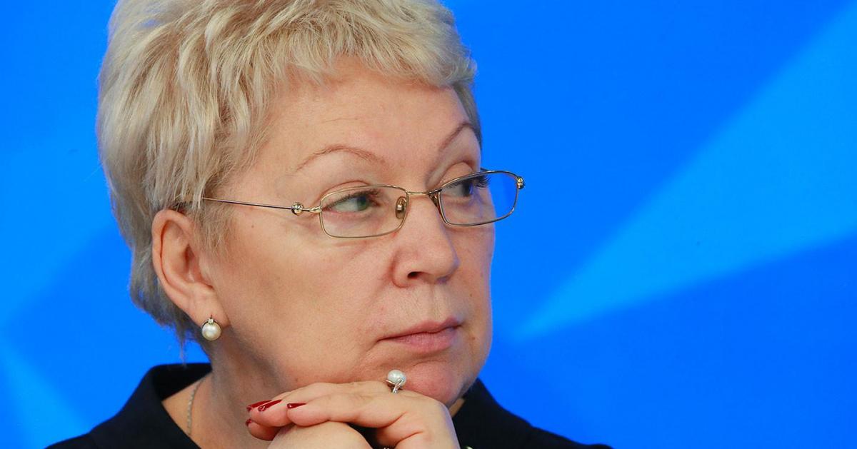 Министр образование выйдет в прямой эфир ответит на вопросы о ЕГЭ