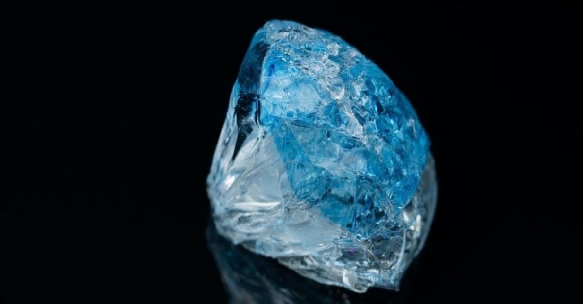 Найден лёд внеземного происхождения