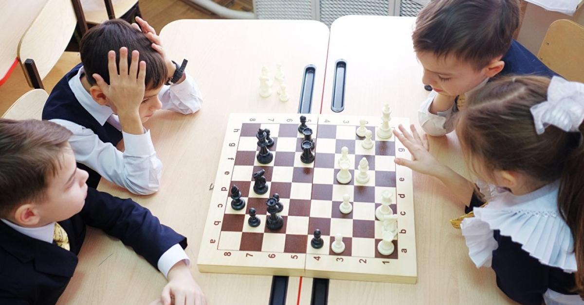 В столице продолжают вводить шахматы в школьную программу