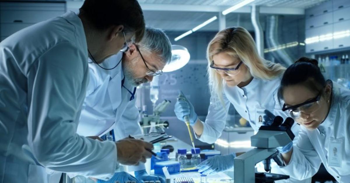 Роботы в Сколтехе будут работать с образцами ДНК и РНК