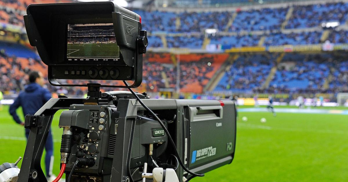 «Телевизионные субботы»: школьники узнают всё о футбольных трансляциях