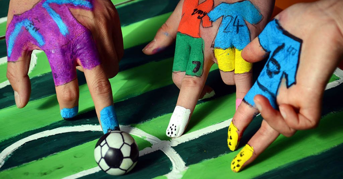 Где учились популярные футболисты?