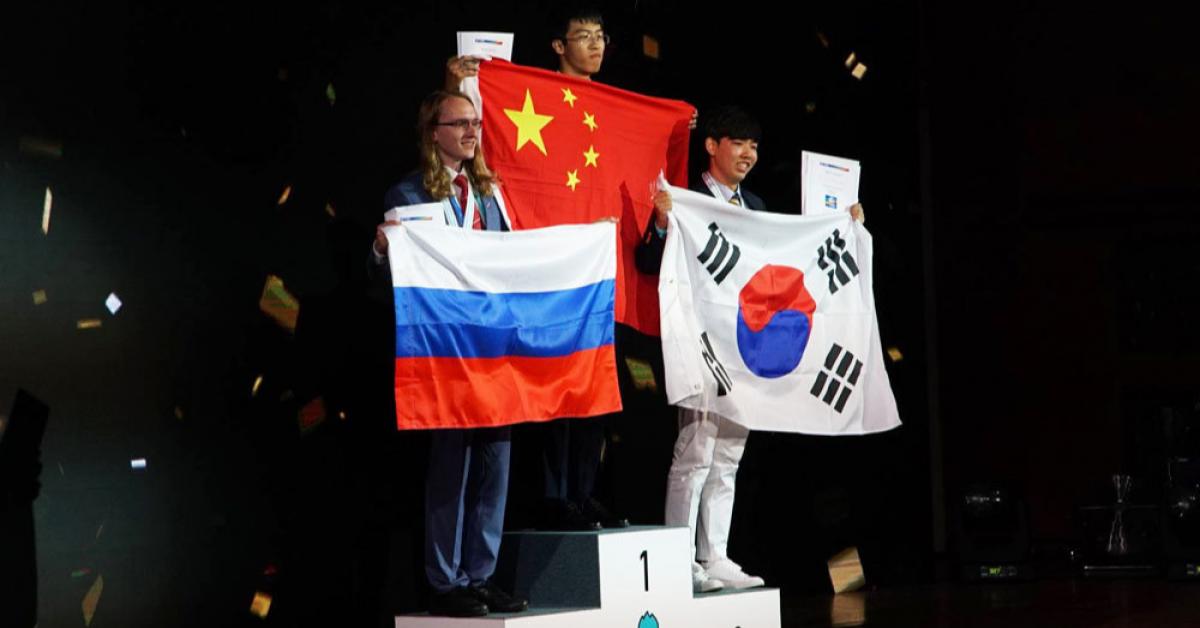 Российские школьники привезли с международных олимпиад много медалей