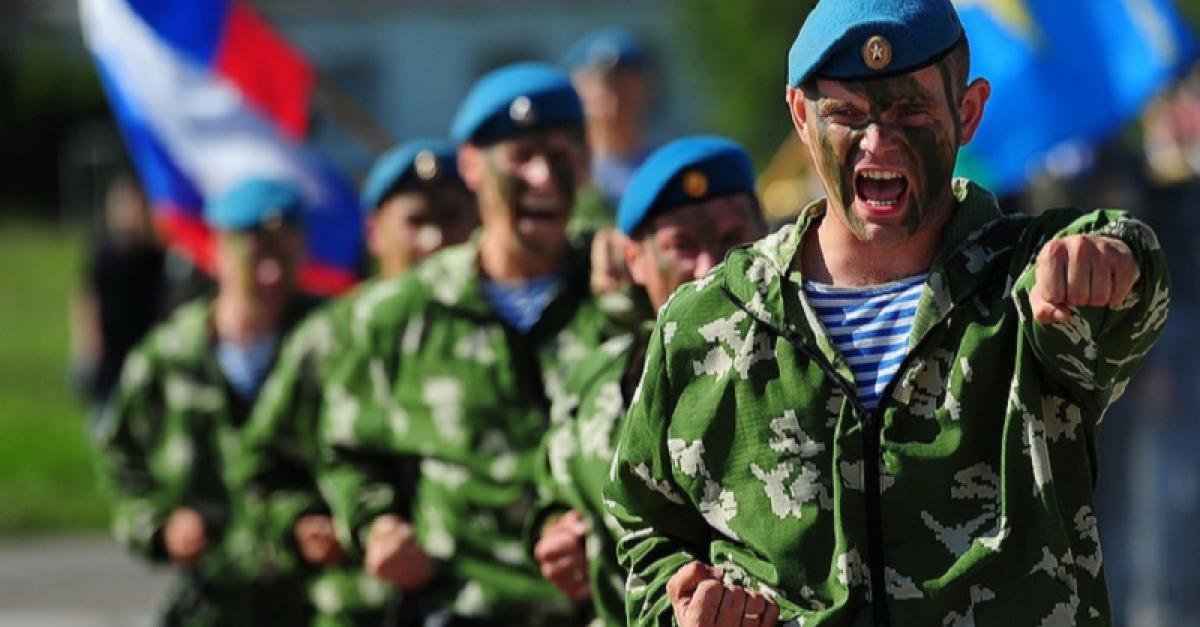 «Никто, кроме нас!»: праздник ВДВ в России