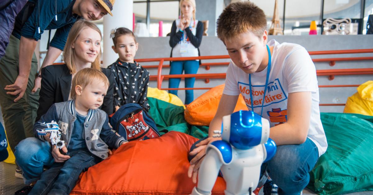 Maker Faire Moscow: фестиваль тех, кто создает «что-то» из «ничего»