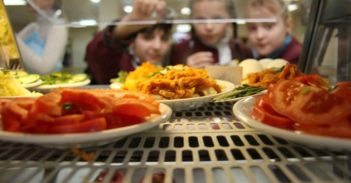 В Кузбассе школьники падают в голодные обмороки