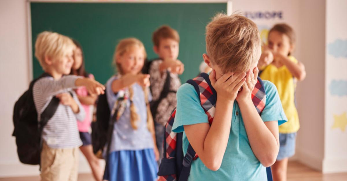 ЮНЕСКО: Школьников бьют из-за внешности