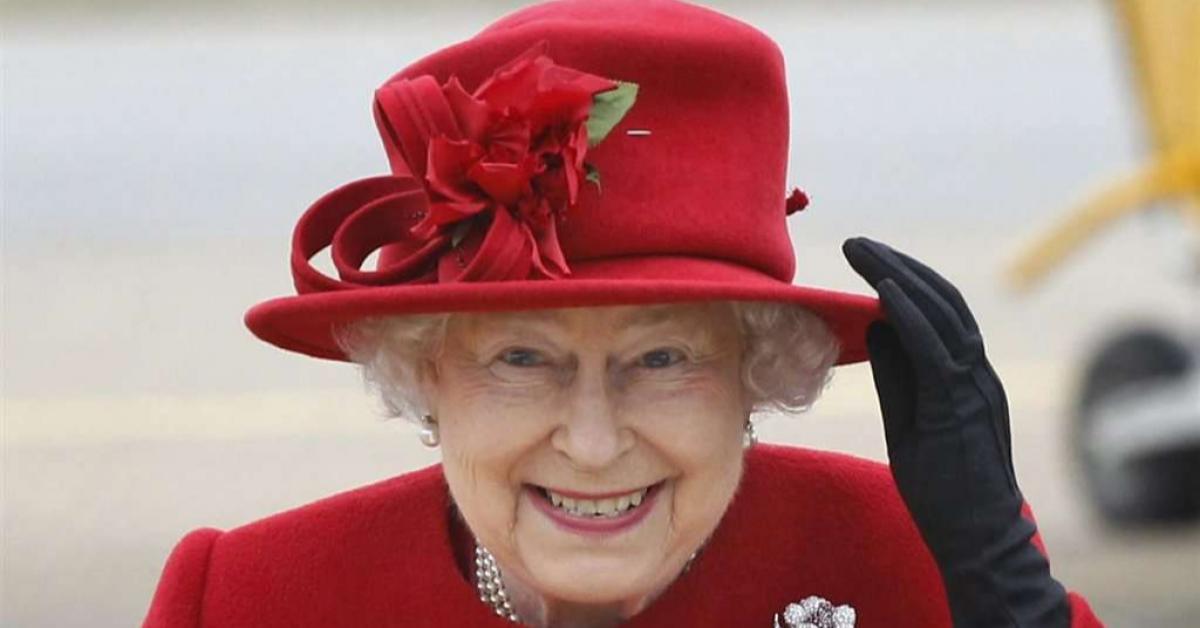 Девятиклассник из России получил письмо от английской королевы